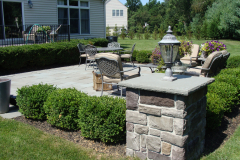 Bluestone Patio with Cultured Stone Piers in Southampton, NJ (5)