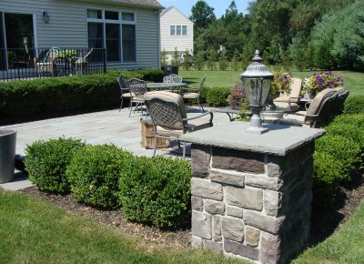 Bluestone Patio with Cultured Stone Piers in Southampton, NJ