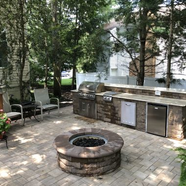 Outdoor Patio and Kitchen in Mount Laurel, NJ
